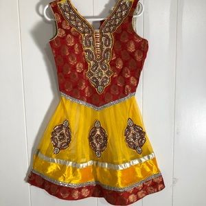 """Little Girls Indian Style Dress. Size 11"""" pit 2pit"""